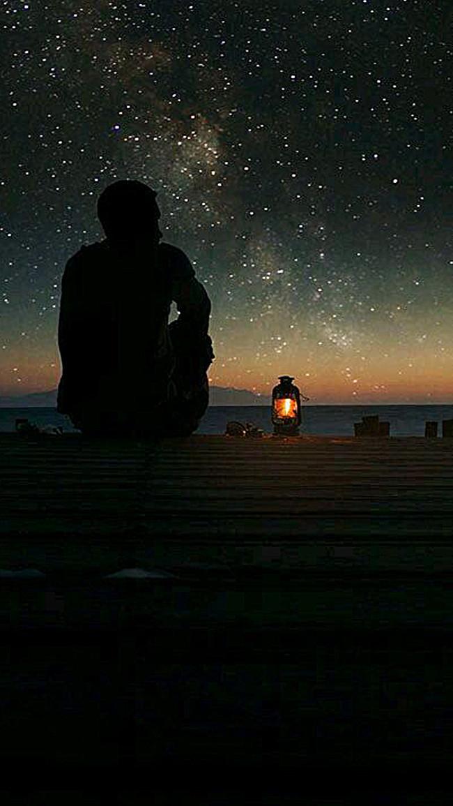 夜晚 孤獨背影 燈光 看風景 天空 星空 星星 app手機端 h5背景 夜晚背